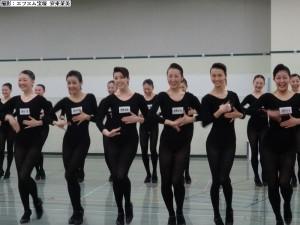 ラインダンス披露中①a