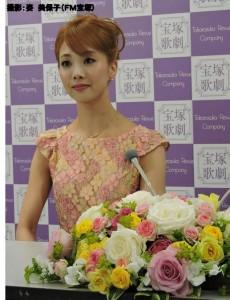 『レビュー・ステイション』2016.4.28星組トップ娘役 妃海風 退団会見7