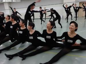 ラインダンス披露中③a