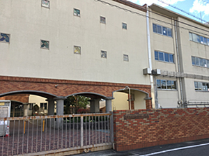 宝塚小学校